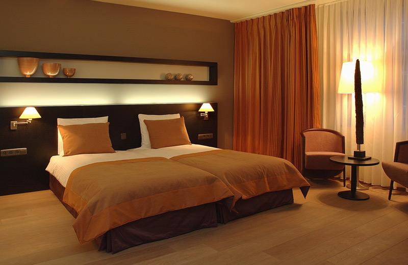 Z - Manchester - Projekt Hotel Van Eyck - Maaseik - Belgien
